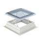 Fenêtre de toit plat EFC  À la fenêtre exutoire de fumée de toit plat CSP est une costière de 160 mm déjà fixe prémontée. On obtient une hauteur totale de 310 mm.